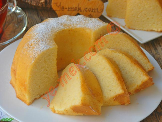 Sünger Gibi Yumuşacık, Puf Puf Bir Kek : Krem Şantili Kek