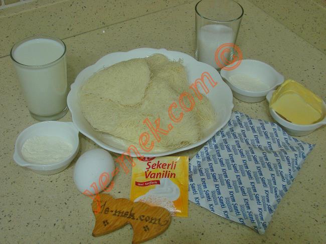 Muhallebili Kadayıf Çanakları İçin Gerekli Malzemeler :  <ul> <li>200 gr taze kadayıf</li> <li>1 çay bardağı erimiş tereyağı</li> <li><strong>Muhallebisi İçin:</strong></li>         <li>500 ml süt</li>         <li>1 yemek kaşığı tepeleme un</li>         <li>1 yemek kaşığı nişasta</li>         <li>1/2 su bardağı toz şeker</li>         <li>1 adet yumurta sarısı (İsteğe bağlı)</li>         <li>1/2 paket vanilya</li>         <li>1/2 paket krem şanti tozu</li> </ul>