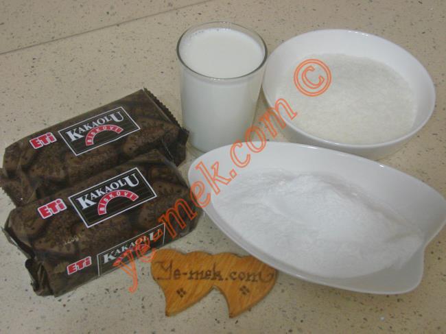Bisküvili Porsiyonluk Pasta - Yapılışı (1/16)