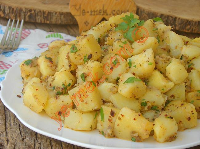 Nefis Bir Şey : Kahvaltılık Tereyağlı Patates Kavurması