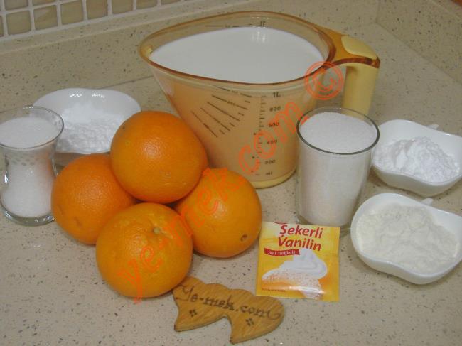Portakallı Prenses Tacı Tatlısı İçin Gerekli Malzemeler :  <ul>       <li><strong>Portakal Sosu İçin:</strong>       <li>3 su bardağı portakal suyu (6 adet portakal)</li>       <li>3,5 yemek kaşığı dolusu nişasta</li>       <li>1 çay bardağı toz şeker</li>       <li><strong>Muhallebisi İçin:</strong></li>       <li>1 litre süt</li>       <li>1 su bardağı toz şeker</li>       <li>3 yemek kaşığı tepeleme un</li>       <li>3 yemek kaşığı tepeleme nişasta</li>       <li>2 yemek kaşığı tereyağı</li>       <li>1 paket vanilya</li>  </ul>