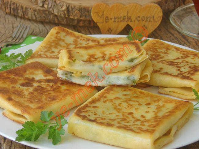 İçi Lezzet Dolu Nefis Bir Kahvaltılık : Peynirli Krep Böreği