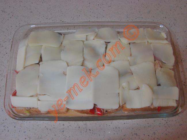Fırında Ekmekli Tavuk Kebabı