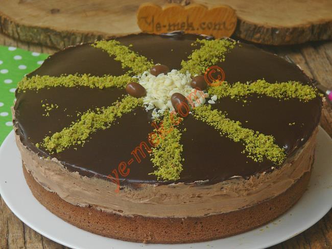 Kolay Çikolatalı Pasta