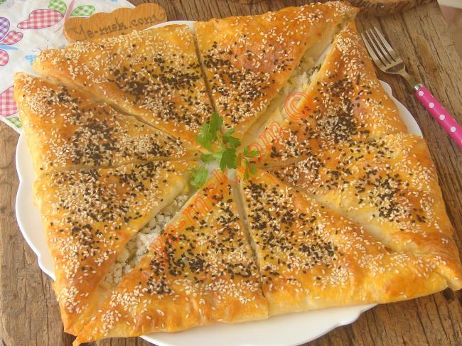 Tek Seferde Yapın, Pişirin (Hiç Uğraştırmaz) : Peynirli Zarf Böreği