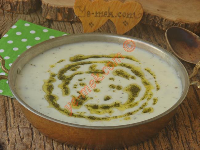 Pratikliği ve Tadı İle Tercih Edilen Bir Çorba : Yoğurt Çorbası