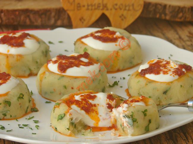 Şık Sunumuyla Favori İkramlığınız Olacak : Yoğurtlu Patates Mantısı