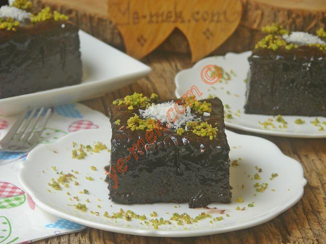 Evdeki Malzemeler İle Tam Orjinal : Pastane Usulü Islak Kek