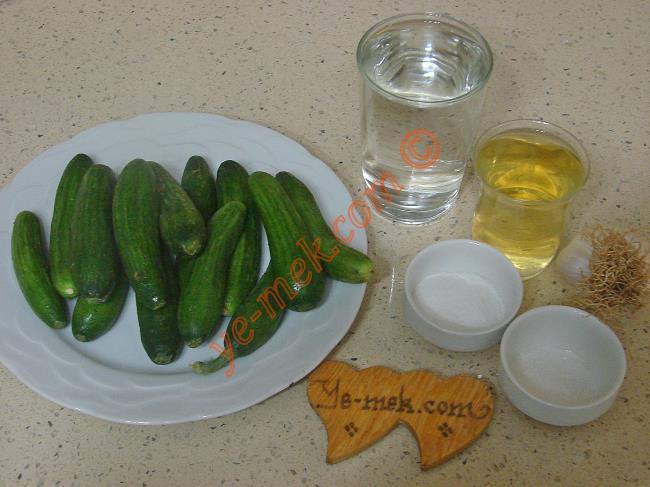 Salatalık Turşusu Malzemeleri