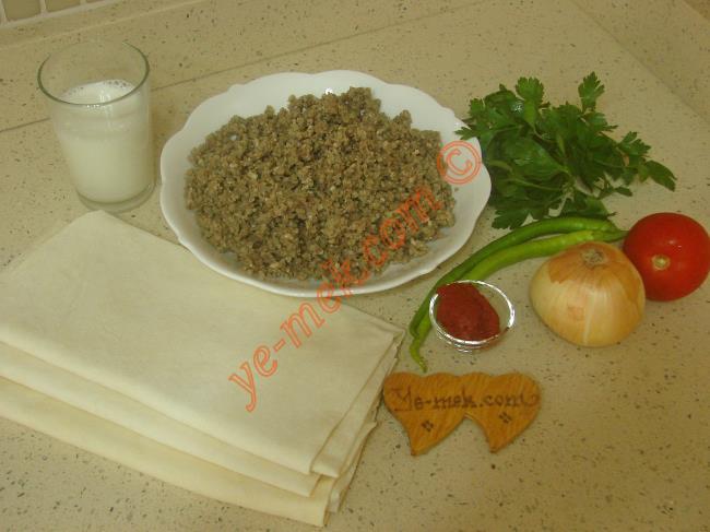 Kıymalı Tava Böreği Malzemeleri
