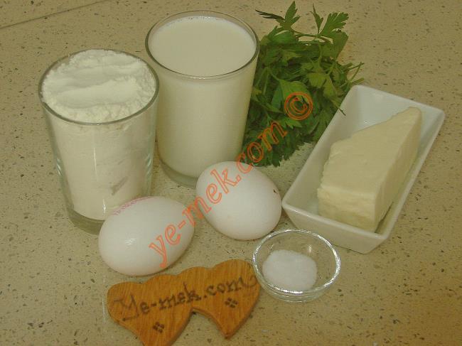 Peynirli Krep İçin Gerekli Malzemeler :  <ul>         <li>2 adet yumurta</li>    <li>1,5 su bardağı süt</li>  <li>1,5 su bardağı un</li> <li>1 çay kaşığı tuz</li>         <li>125 gr beyaz peynir</li>         <li>1 tutam maydanoz</li>  </ul>