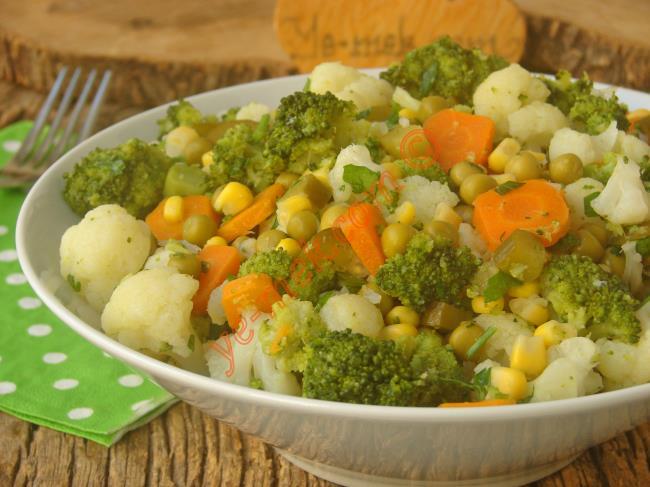 Birbirine Çok Yakışan Enfes Bir Salata : Brokolili Karnabahar Salatası