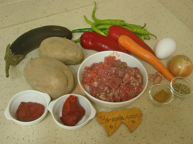 Fırında Sebzeli Köfte Malzemeleri