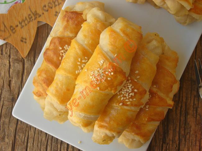 Nefis Bir İç Harcı İle Çıtır Çıtır Bir Börek : Patatesli Börek