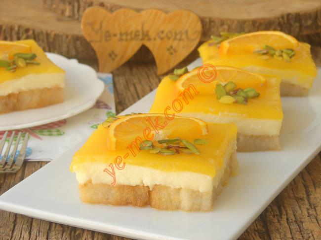 Portakalın Lezzet Kattığı Hafif Bir Tatlı : Portakal Soslu Etimek Tatlısı