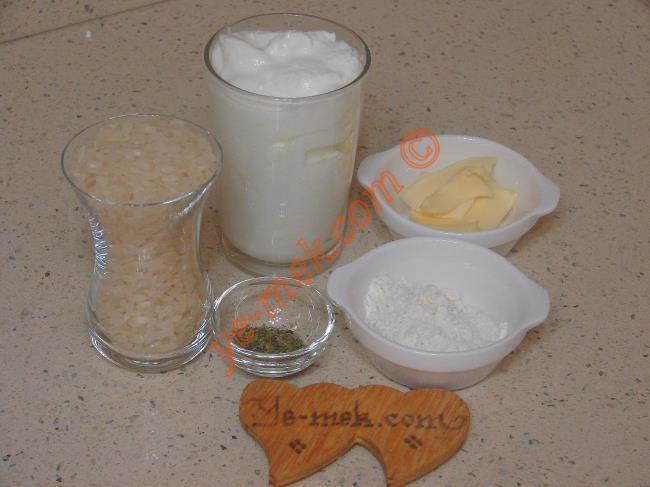Yumurtasız Yayla Çorbası Malzemeleri