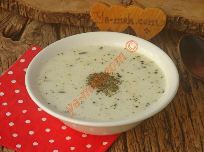 Yoğurtlu Pirinç Çorbası Nasıl Yapılır