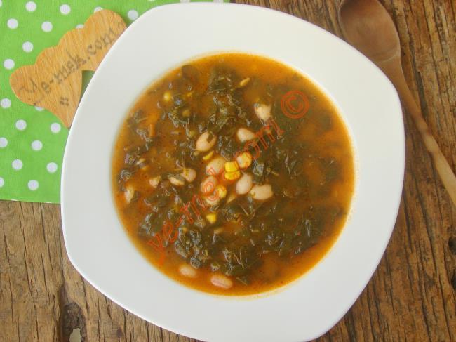 Karadeniz Mutfağının En Özel Çorbası : Karalahana Çorbası