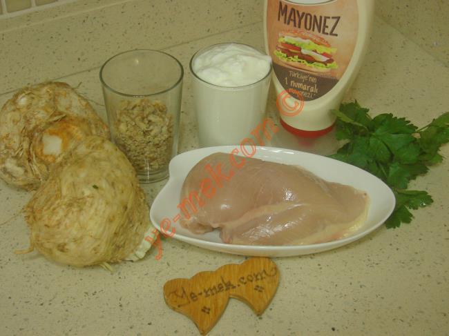 Tavuklu Kereviz Salatası Malzemeleri