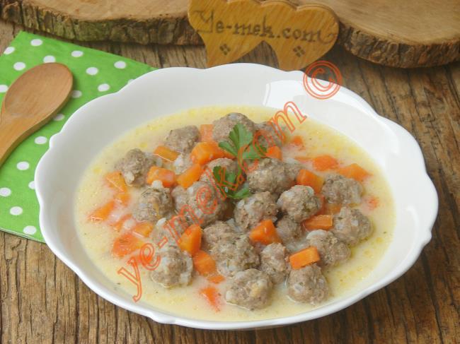 Türk Mutfağının En Güzel Ana Yemeklerinden Biri : Ekşili Köfte