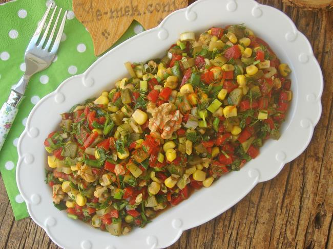 Közlenmiş Kırmızı Biber Salatası Tarifi Nasıl Yapılır Resimli Yemek Tarifleri