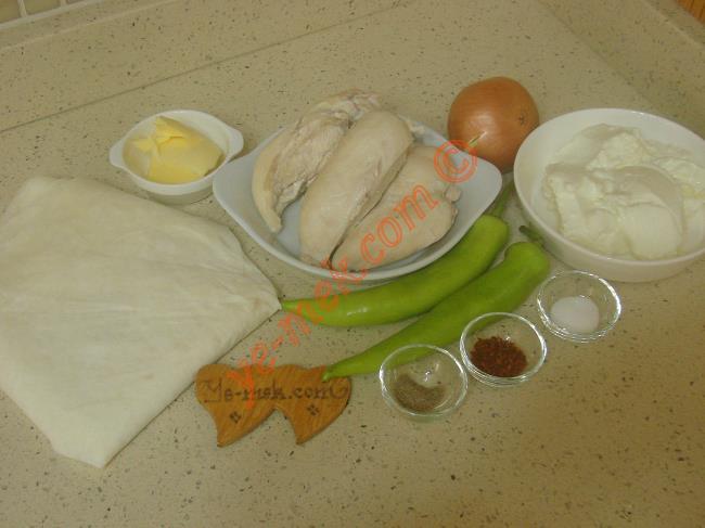 Yufkadan Tavuklu Mantı Malzemeleri