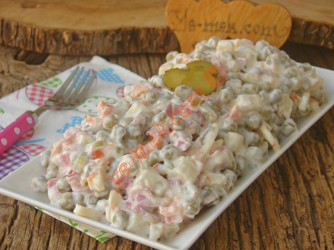 Salamlı İtalyan Salatası