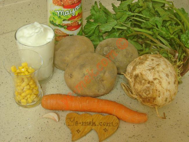 Patatesli Kereviz Salatası Malzemeleri