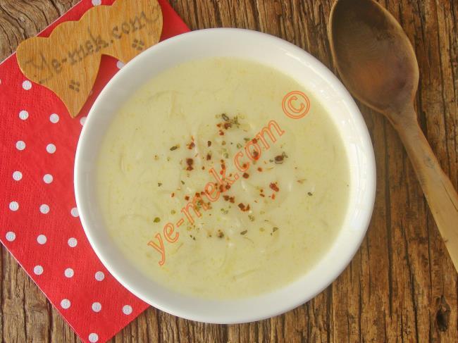 Lezzetiyle Sizi Çok Şaşırtacak : Soğan Çorbası