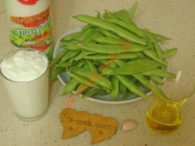 Yoğurtlu Taze Fasulye Salatası Malzemeleri