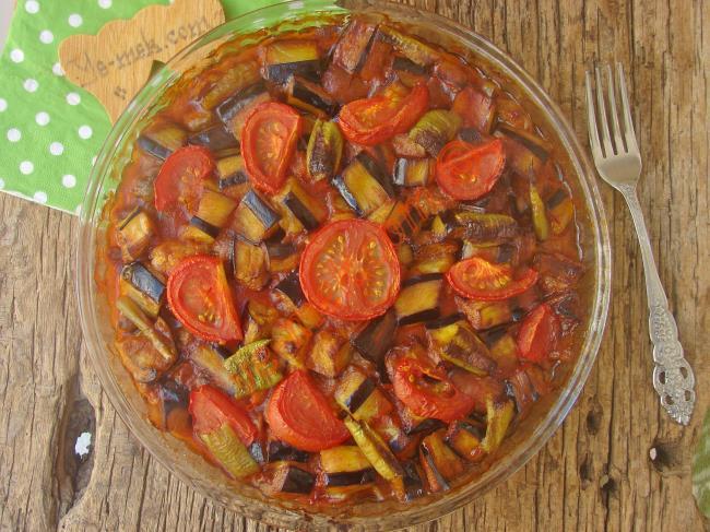 Patlıcan İle Yapılabilecek En Güzel Yemek : Etli Patlıcan Kebabı
