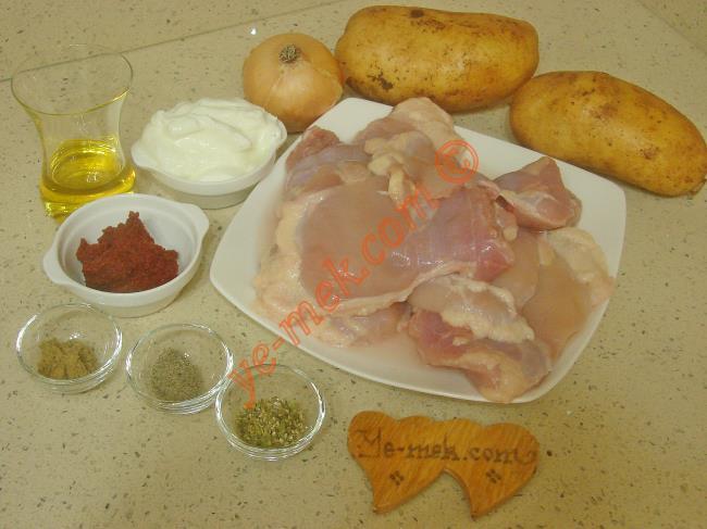 Fırında Soslu Tavuk Malzemeleri