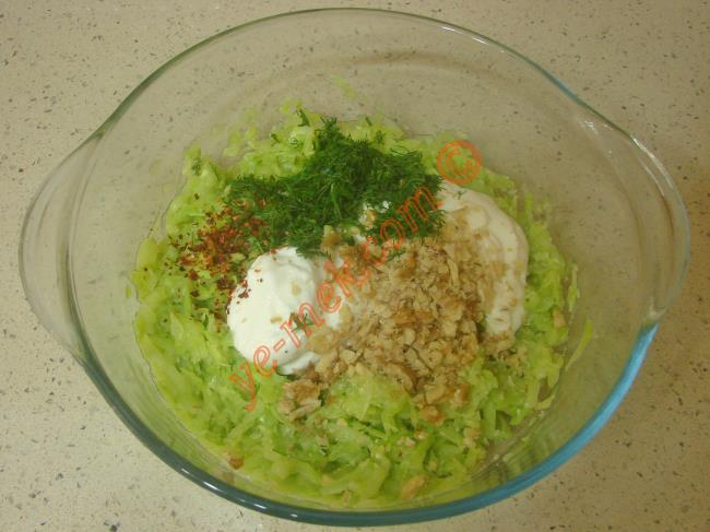 Mayonezli Kabak Salatası