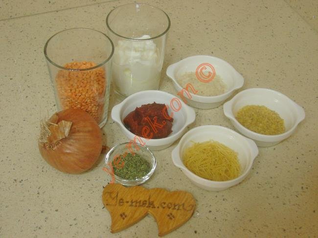 Yoğurtlu Ezogelin Çorbası Malzemeleri