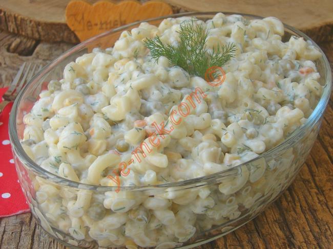 Doyurucu, Lezzetli Ve Üstelik Basit Bir Salata : Garnitürlü Makarna Salatası