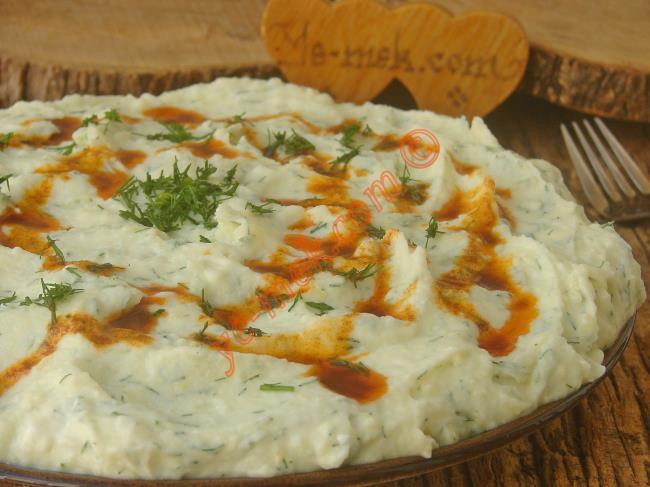 Çoğu Yemekle İyi Giden Nefis Bir Meze : Yoğurtlu Patates Ezmesi