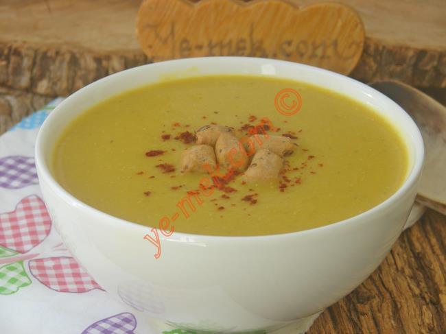 Yoğurtlu Mercimek Çorbası Nasıl Yapılır