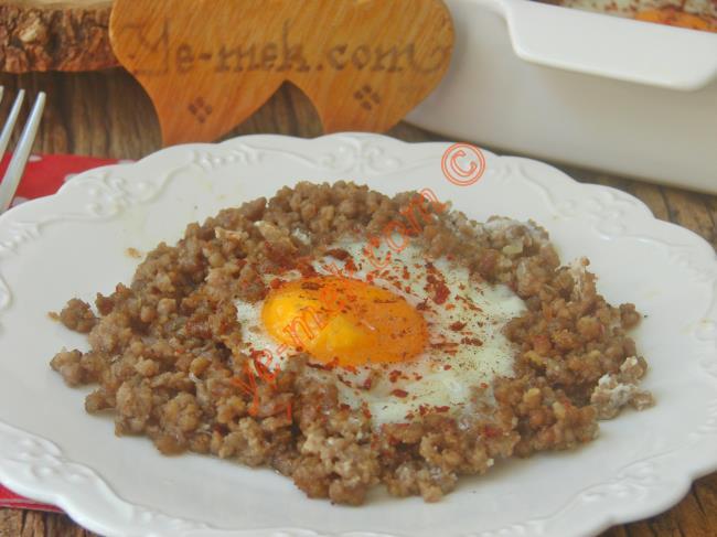 Fırında Kıymalı Yumurta