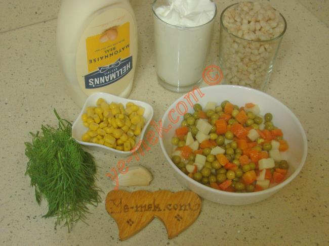 Mayonezli Garnitürlü Buğday Salatası - Yapılışı (1/8)