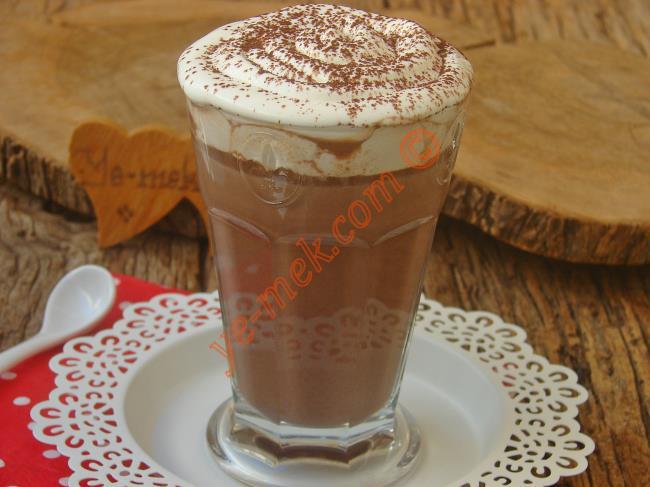 Çikolata Severler İçin Nefis Bir Lezzet : Sıcak Çikolata