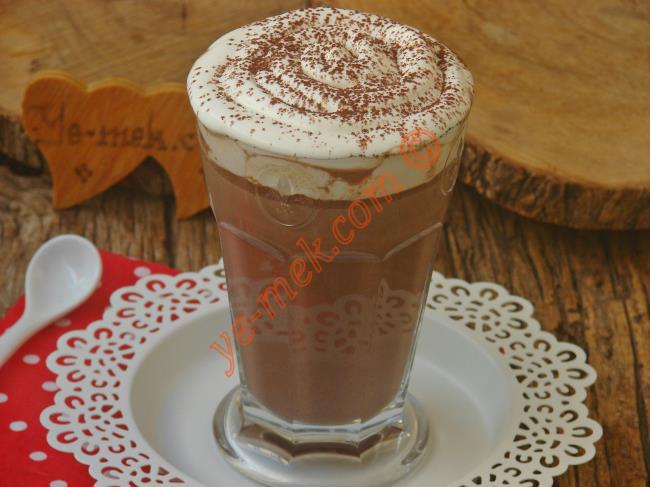 Kremalı Sıcak Çikolata Tarifi