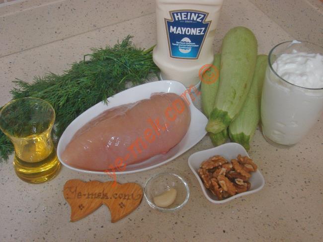 Tavuklu Kabak Salatası Malzemeleri