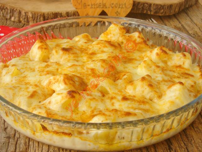 Misafir Sofralarına Layık Nefis Bir Garnitür : Fırında Beşamel Soslu Patates