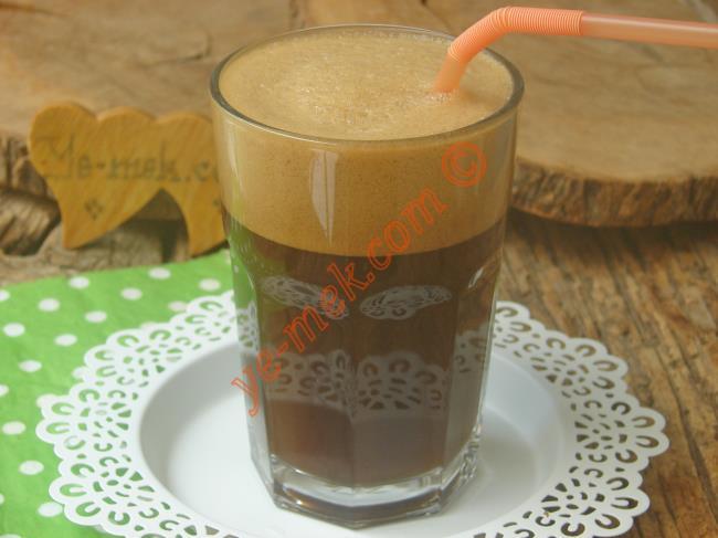Yunanistanın Dünyaca Meşhur Kahvesi : Buz Gibi Frappe