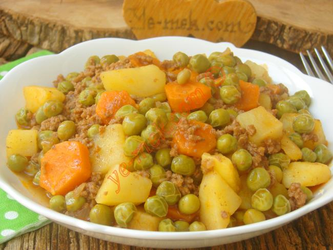 Kıymalı Patatesli Bezelye Yemeği