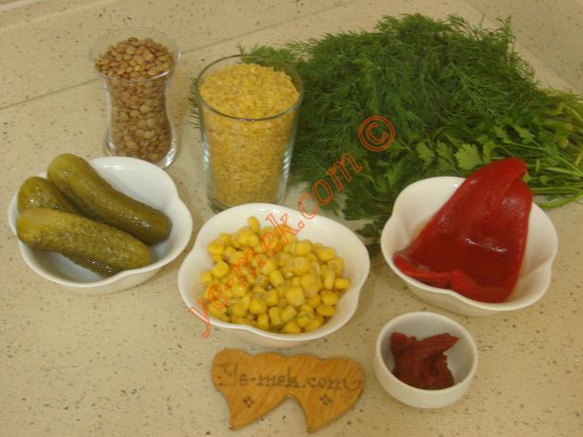 Mercimekli Bulgur Salatası Malzemeleri