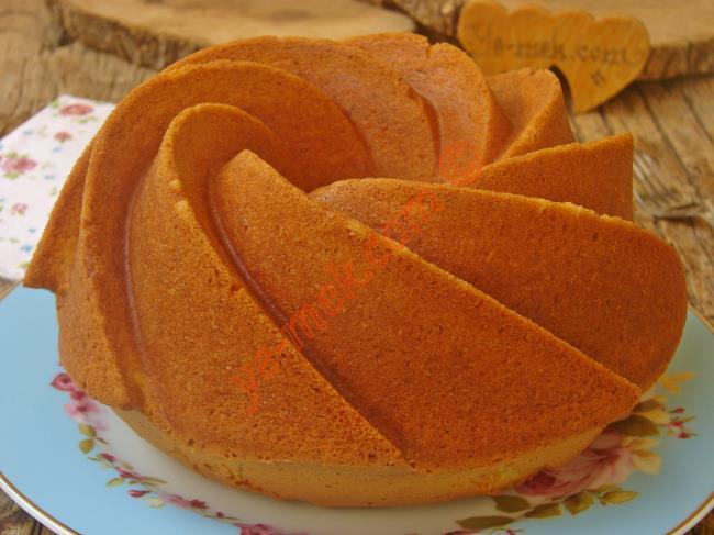 Pamuk Gibi Yumuşacık, Lezzetli Ve Pratik : Vanilyalı Kek