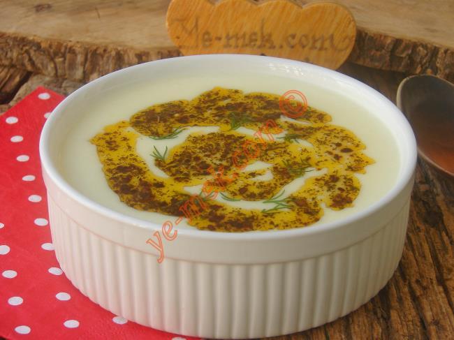 İpeksi Kıvamı, Yumuşak İçimi İle Çok Pratik Bir Çorba : Sütlü Patates Çorbası