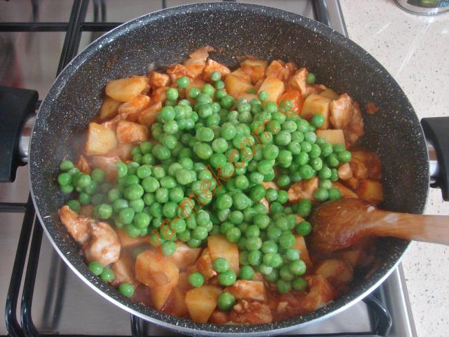 Sebzeler yumuşayana kadar pişirin.