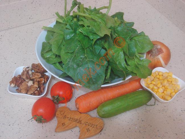 Ispanak Salatası - Yapılışı (1/8)